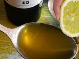 Stoarce o lamaie si amestecati cu o lingurita de ulei de masline pentru un preparat ideal!